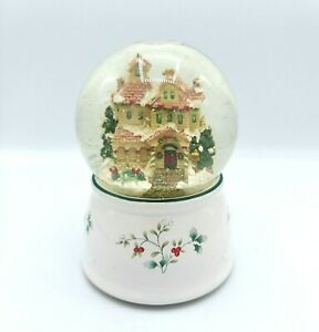 """PFALTZGRAFF WINTERBERRY MUSICAL SNOWGLOBE """"I'LL BE HOME FOR CHRISTMAS"""" 6.75"""""""