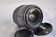 Nikon AF Nikkor 28-70mm f/3.5-4,5, macro