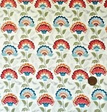 BLOOMSBURY - RED & BLUE JACOBEAN STYLE FLOWERS ON CREAM - COTTON FABRIC F.Q.'S