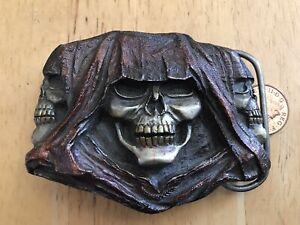 Bergamot belt buckle Q-77 Death, Skull, Skulls. 3 D. Made in USA 1994. VGC