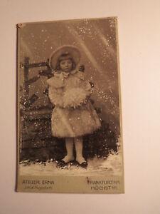 Frankfurt am Main - Höchst - Julie Beinhauer als Mädchen mit Hut im Schnee / CDV