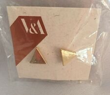 NWT Victoria and Albert V&A Museum Earrings. Reversible Giant Pearl GoldTriangle