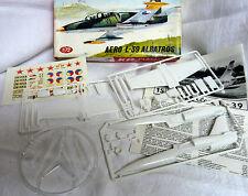 AERO L-39 ALBATROS Flugzeug Modell Baukasten