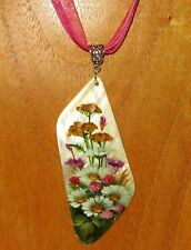 Russian Hand Painted Long SHELL PENDANT WILD FLOWERS WHITE DAISIES CLOVER