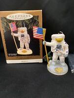 Hallmark keepsake Ornament Neil Armstrong The Eagle has landed 1994