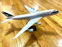 Cathay Pacific Boeing 747 Model Souvenir Reward Statue 1:135 Detailed Diecast
