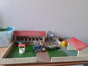 Farmyard set incl. Dinky, Matchbox and Britains Ltd toys