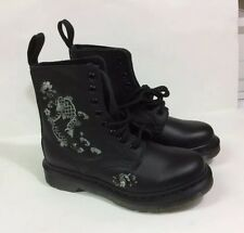 New The Original Dr. Martens 8 Eyelet Black Embroidered Amylee Boots Size 5L