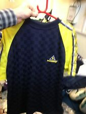 LE COQ SPORTIF T SHIRT 36/38 INCH  AT £ 10  yellow/navy BNWK POLYESTER