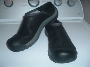 EUC Keen Kaci Slide Clog Shoes Black Leather Mules Slip Ons 8.5 EU 39 Walking