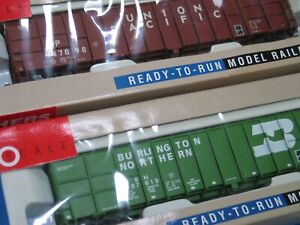 2 Boxed Walthers HO 61' Wood Chip Cars UNION PACIFIC & BURLINGTON NORTHERN EXCEL