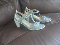 ECCO Women's Sandals size 9 US 40 EU new without box