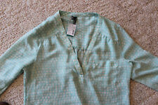 New MAURICES Women's Size Small Green & Tan V-Neck 3/4 Sleeve Elegant Blouse NWT