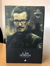 HOT TOYS MMS 182 THE DARK KNIGHT BATMAN – LT. JIM GORDON (S.W.A.T. VERSION) NEW