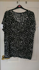 GEORGE BLACK & WHITE SCOOP NECK TUNIC SIZE 24 - VGC!