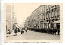 ORIGINAL VINTAGE GERMAN WW2 PHOTO-GEBIRGSJAGER TROOPS ENTER FRENCH TOWN