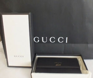 NWT AUTH GUCCI Women BLACK LEATHER WALLET with SNAP and GOLD GUCCI PRINT LOGO