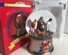 Macy's ROTATING 80th NY Thanksgiving Day Float Parade Music 2006 Snowglobe Snoop