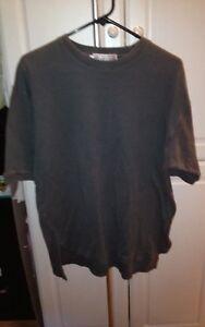 The Heartland Company - Men's Gray Pull over heavy t-shirt- Size Small