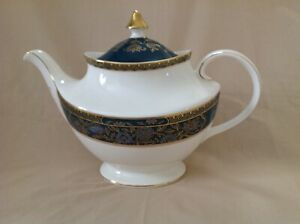 ROYAL DOULTON CARLYLE TEA POT EXCELLENT CONDITION FIRST QUALITY