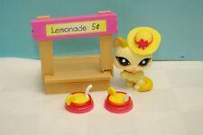 Littlest Pet Shop Cat Kitten Yellow With Lemonade Stand