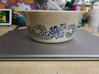 Vintage Pyrex Round Casserole 474-B Homestead Blue Speckled With Blue Flowers