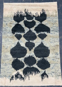 (RO-0057) HAND WOVEN MOROCCAN WOOL RUG (120x185cm)