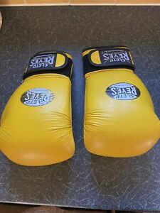 Cleto Reyes 16-oz Used Gloves