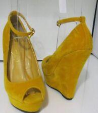Zapatos de tacón de mujer amarillos sin marca