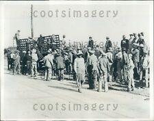 1932 Striking Iowa Farmers Moville Road Sioux City Press Photo