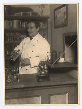PHOTO ANCIENNE Pièce de Théâtre Acteur Drôle Bar Barman Alcool Téléphone 1920