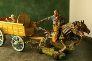 COMPOSITION PLASTINOL WW Cowboy Open Tin Wagon Hatch Back 2Horses Attached
