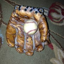 S.S.Sarna Resin work Baseball Glove & Ball