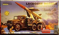 Lacrosse Missile ( Nike ) m. Rampe und Fahrzeug, 1:32, Revell 7824 wieder 2016
