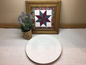 "Oneida Wicker Basketweave White 12 1/4"" Chop Plate~ Beautiful Used Condition!"