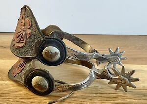 Very Nice Vintage Pair of RICARDO Horse Head Spurs with Leather Rose Straps NR