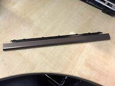 HP Pavilion DV7-1000 serie Centro cubierta con bisagras guarnecido AP03W001Q00