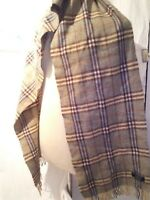 Burberry vintage green plaid 100% Lambswool scarf ref 17