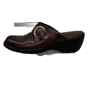 Clarks Artisan 73284 Clog Mule Blood Red Leather Basket Weaved Buckle Shoe Sz 9