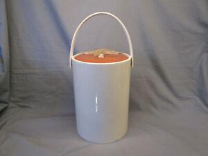 Vintage STARFISH Nautical Tan ICE BUCKET Acrylic Plastic Barware Lid Handled