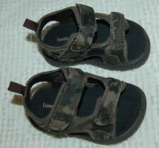 Baby Boys Shoes BROWN CAMOUFLAGE SANDALS Open Toe RUGGED Easy Fasten Straps SZ 2
