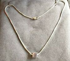 Gucci G Cube 18k gold necklace