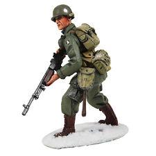 Britains soldados 25043-EE. UU. 101st Airborne infantería en M-43 Chaqueta avanzar