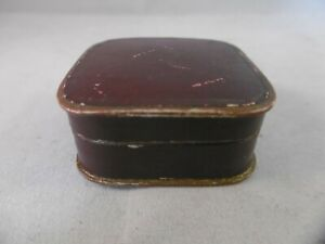 Antique French jewellery box. Hinged lid opening