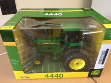 John Deere 4440 Tractor w/ duals PRESTIGE COLLECTION NIB! 1/16 scale  LP51300