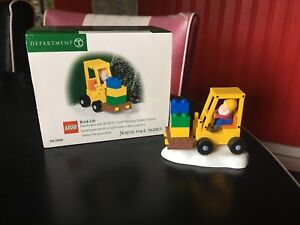 NEW DEPARTMENT 56 NORTH POLE SERIES LEGO BRICK LIFT WITH BOX