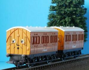 HORNBY ANNIE AND CLARABEL COACHES R9293 from THOMAS THE TANK TRAIN SETS