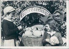 1947 Kids w Ostrich & Alligator Eggs For Easter St Augustine Fl Press Photo
