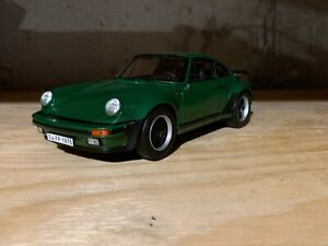 1/18 1975 Porsche 911 Turbo by Norev
