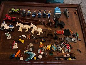 LEGO MINI FIGURE JOB LOT Plus Spares Parts Etc Nice Condition With 5 Horses